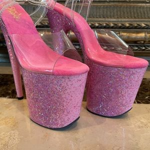 New Pink Confetti Pleasers Size 8